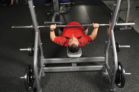Kova treeni tai peli illassa tuppaa lyhentämään urheilijoiden yöunia. Myös kuntoilijan kannattaa ajoittaa kovat harjoitukset viimeistään alkuiltaan.