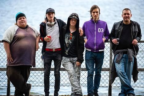 Logged in -sarjassa ovat mukana Patrik (vasemmalla), Joni, Juho, Aaron ja Henri.