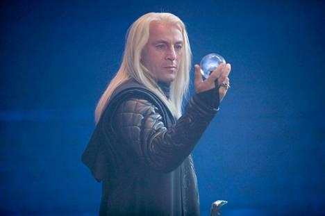Jason Isaacs tunnetaan parhaiten roolistaan Lucius Malfoyna huippusuosituissa Harry Potter -elokuvissa.