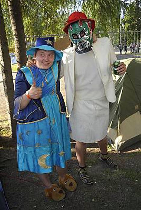 Erik Tähtiäinen ja Hans-Erik Komeetanpoika veivät hörhöimpien tittelin mekoissaan.