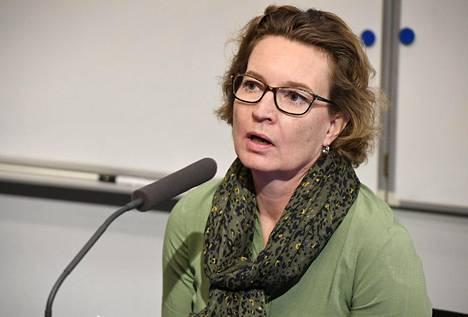 Rikosuhripäivystyksen toiminnanjohtaja Leena-Kaisa Åberg oli mukana sunnuntaina keskusrikospoliisin tiedotustilaisuudessa, joka koski psykoterapiakeskus Vastaamoon kohdistettua laajaa tietomurtoa.