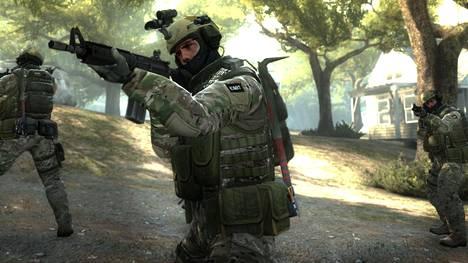 Syytetyt pelasivat suosittua ensimmäisen persoonan räiskintäpeliä Counter-Strike: Global Offensivea.
