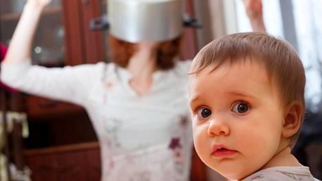 Sählääjä-äidin lapset oppivat nopeasti itsenäisiksi.