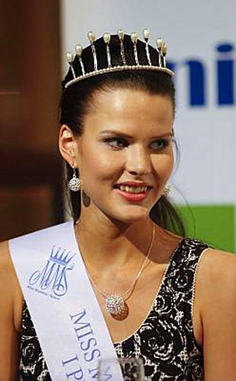 Linda Wikstedt edustaa Suomea Miss Maailma -kisoissa Etelä-Afrikan Johannesburgissa 16.11.-12.12.