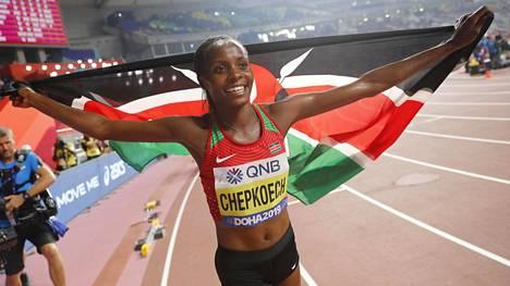 Beatrice Chepkoech voitti 3000 metrin esteet vakuuttavasti.