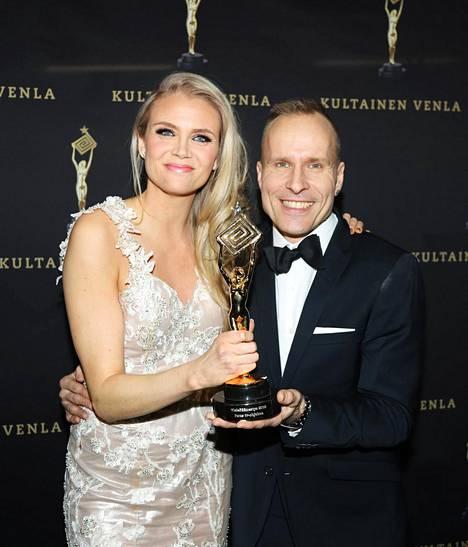 Susanna Laine juontaa Puoli Seitsemän -ohjelmaa yhdessä Mikko Kekäläisen kanssa. Kaksikko pääsi tuulettamaan tammikuussa Venla-pystiä, kun ohjelma oli yleisön mielestä vuoden 2018 paras tv-ohjelma.
