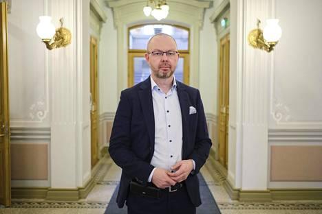 Jyväskylän kaupunginjohtajan Timo Koiviston mukaan koronatilanne on vakava mutta hallinnassa.