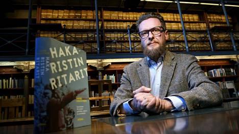 Tutkija ja kirjailija Andre Swanström Kansallisarkistossa Helsingissä 11. lokakuuta 2018.