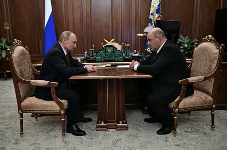 Vladimir Putin ja Mihail Mishustin keskiviikkona Moskovassa.