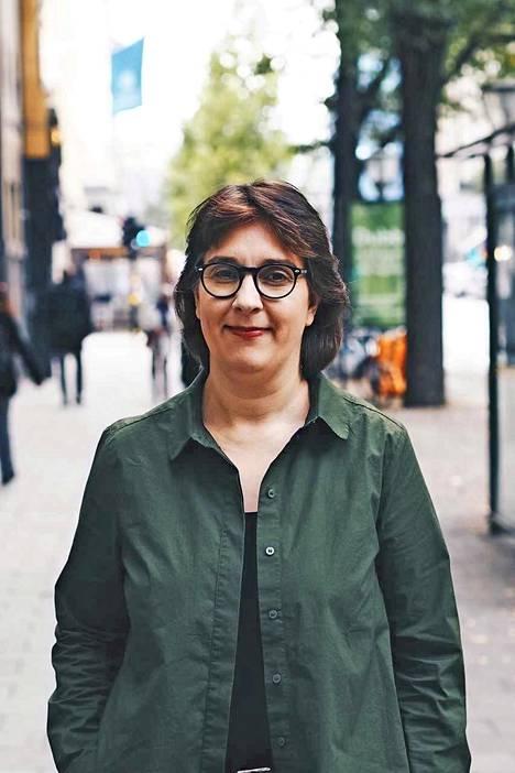 – Karkeasti noin 50 prosenttia äänikirjojen kulutuksesta on jännitystä, Sari Forsström sanoo.