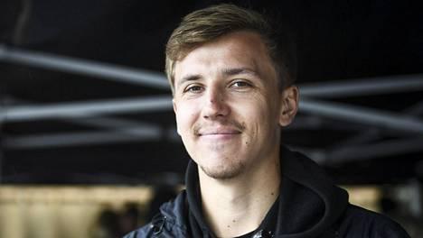 Renny Harlinin poika Luukas, 22, työskenteli kesän isänsä elokuvan tuotannossa ja hurahti alaan täysin.