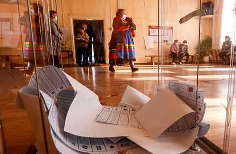 Venäjän vaaleissa on käytössä läpinäkyvät uurnat, joiden on määrä auttaa myös vaalien läpinäkyvyyteen.