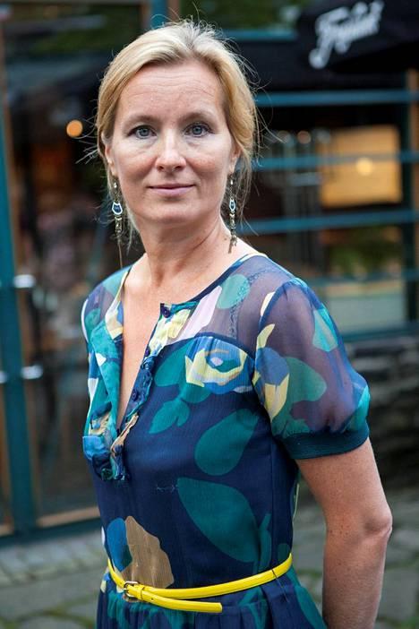 Romaanikirjailija ja käsikirjoittaja Katja Kallio on ihmismielen tarkkanäköinen tulkitsija.