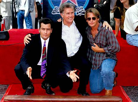 Charlie Sheen on näyttelijäperheen vesa. Hänen isänsä on Hollywood-tähti Martin Sheen ja veli Emilio Estevez muistetaan muun muassa The Breakfast Club ja Mighty Ducks -elokuvista.