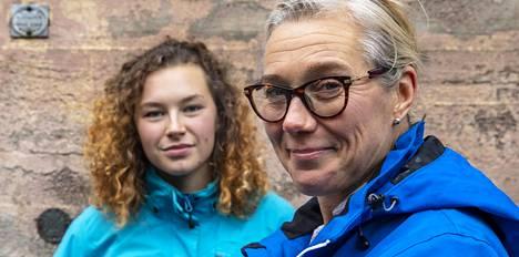 Ella Junnila ja Ringa Ropo kuvattuna syksyllä 2018.