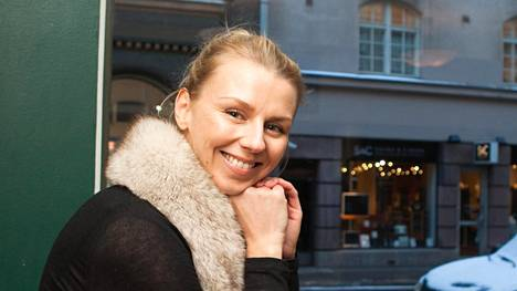 Ruokakirjailija ja bloggaaja Hanna Gullichsen ja tuore aviomiehensä Joonas Laurila saavat kesällä kaksoset.