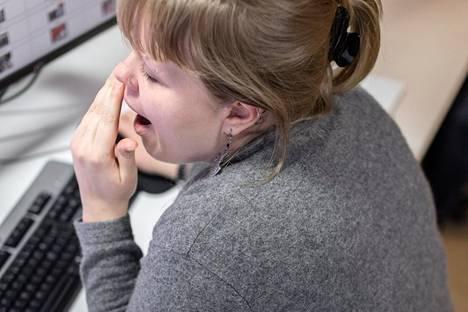 Runsas syöminen ja kovin tuhti ruoka voivat heikentää unenlaatua. Nälkäisenä sänkyyn ei silti kannata mennä.