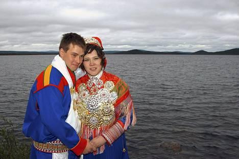 Satuhäiden toisella tuotantokaudella avioituneet Antti Tervaniemi ja Elle-Maaret Näkkäläjärvi ovat eronneet ohjelman jälkeen.