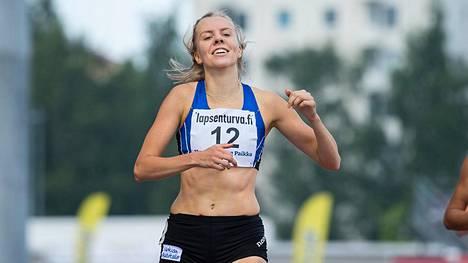 Hilla Uusimäki urakoi Ruotsi-maaottelussa kolme matkaa.