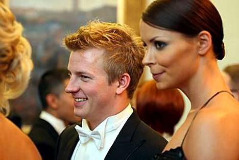 Kimi Räikkönen ei Jenni-vaimonsa kanssa asu Zürichin kantonissa.