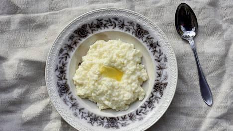 Jos koskaan himoitset riisipuuroa muutenkin kuin jouluna, tänään voisi olla mainio hetki valmistaa sitä!