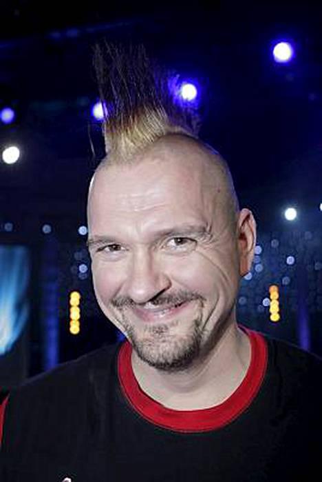 Klamydian solisti Vesku Jokinen on tuore isä.