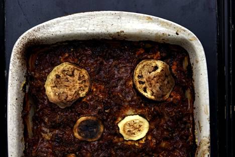 Munakoisovuoka kannattaa valmistaa hyvissä ajoin etukäteen ennen syömistä. Se maistuu parhaalle uudelleen lämmitettynä.