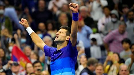 Novak Djokovic juhlii finaalipaikkaansa.