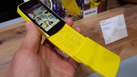 """HMD Globalin tunnetuin puhelinmalli on todennäköisesti Barcelonasas vuonna 2018 uudelleenjulkaistu """"banaanipuhelin"""" Nokia 8110."""
