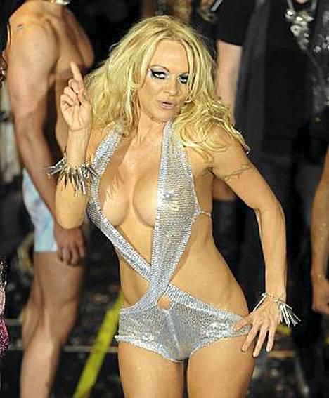Pamela Anderson on suunnittelija Richie Richin rohkea muusa.