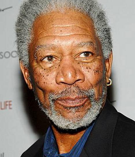 Morgan Freeman näyttelee myös tämänhetkisessä Batman-kassamagneetissa Yön ritari.