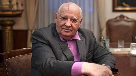 Neuvostoliiton viimeinen johtaja Mihail Gorbatshov kuvattuna vuonna 2014 toimistossaan Moskovassa.