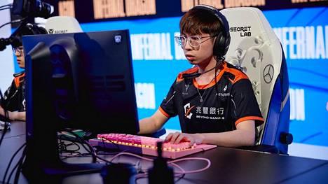 """19 vuotta marraskuussa täyttävä Chien """"Maoan"""" Mao-An joutui hyllytetyksi kesken MM-turnauksen."""