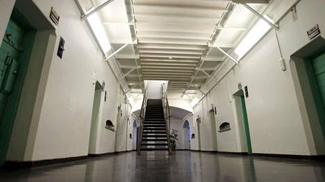 Hermannin kaupunginosassa sijaitseva Helsingin vankila tunnetaan myös Sörnäisten vankilana, tai Sörkkänä.