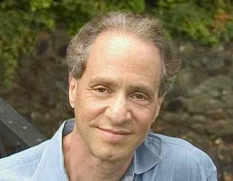 Raymond Kurzweil on 63-vuotias yhdysvaltalainen futuristi, tutkija ja kirjailija.