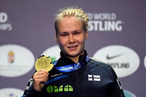 Petra Olli ja painin MM-kulta Budapestissa lokakuussa 2018.