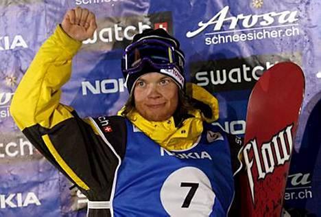 Antti Autti nousi suomalaisista korkeimmalle, hopealle, big airin MM-finaalissa.