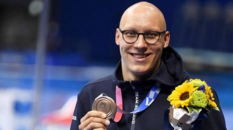 Matti Mattssonin pitkäaikainen unelma toteutui, kun hän pääsi poseeraamaan olympiapronssimitalin kanssa Tokiossa torstaina.