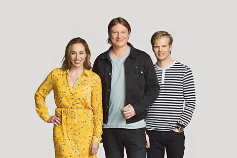 Jaajo Linnonmaa luotsaa radiossa suosittua Aamulypsy-ohjelmaa yhdessä Anni Hautalan ja Tuukka Ritokosken kanssa.