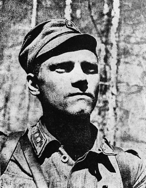 Kapteeni Lauri Törni kuvattuna jatkosodan aikana.