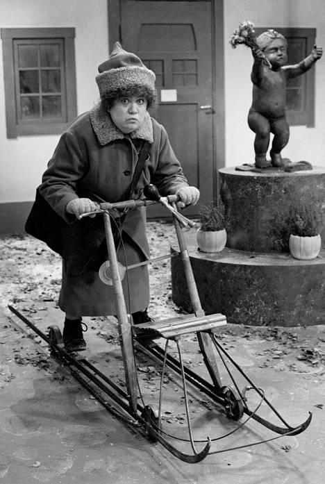 Valkama rooliasussa Joulukalenterin nauhoituksessa 4. marraskuuta 1987.