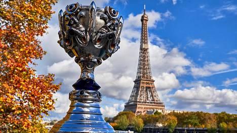 LoLin MM-pokaalin nimi on Summoner's Cup.