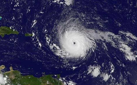 Irma-myrsky satelliittikuvassa keskiviikkona.