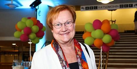 Jari Tervon heitto Tarja Halosen ja Esko Ahon keskusteluun sai yleisöltä voimakkaat suosionosoitukset, joista Aho ei välttämättä ollut niin mielissään.