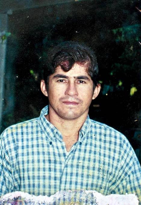 Kuva Jose Salvador Alvarengasta ennen kuin hän ajelehti Tyynellämerellä.