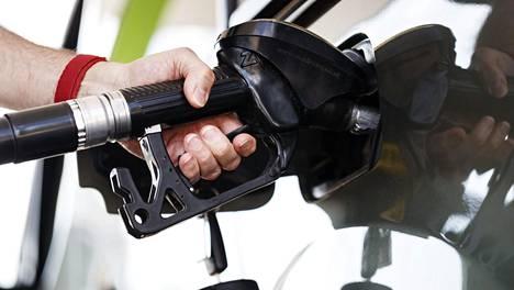 Mikäli tankkaa dieseliä bensalla toimivaan moottoriin tai toisin päin, kannattaa matka pysäyttää siihen.