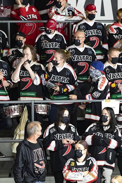 Maskeja vaaditaan osallistuttaessa urheilukisoihin ja muihin yleisötapahtumiin.