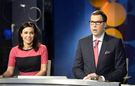 Susanne Päivärinta ja Jan Andersson vetävät A-studio-lähetyksiä.