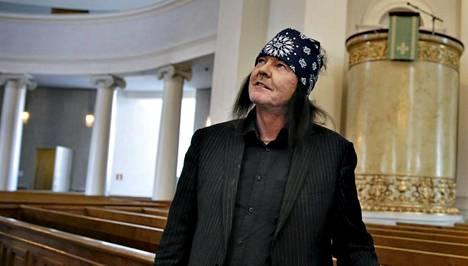 Kari Peitsamo aloitti teologian opinnot Helsingin yliopistossa.