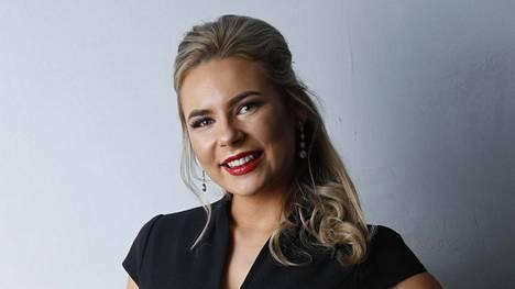 Nicole Heinämaa pyrkii kolmatta kertaa Miss Suomeksi.